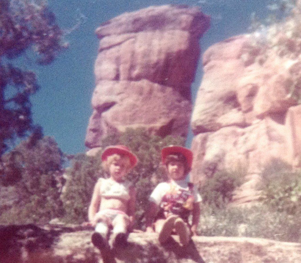 Love those red cowgirl hats!  [That's me on the right in my Looney Toons overalls.]