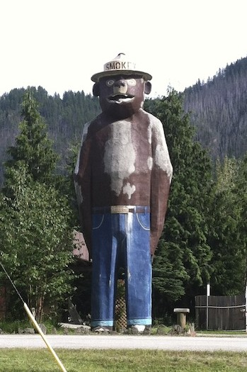 There's Smokey the Bear and there's SMOKEY THE SCARY SIZED BEAR